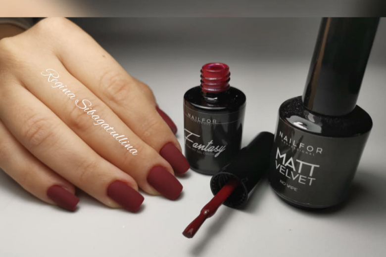 Matte Nails: le idee nail art di Natale